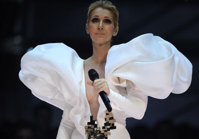 Un mois avant son concert à Manchester, Céline Dion rend hommage aux victimes de l'attentat