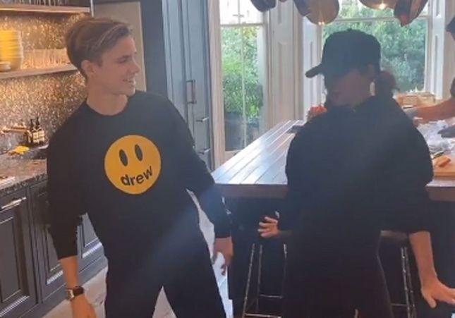 Victoria Beckham : elle danse sur un célèbre titre des Spice Girls et crée le buzz !