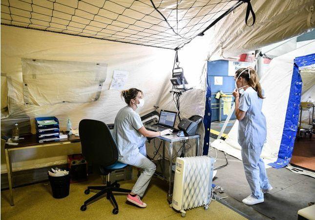Coronavirus : « Des patients nous donnent des leçons de vie », les témoignages poignants des personnels soignants
