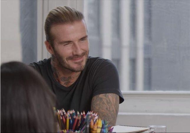 Cette vidéo de David Beckham entouré d'enfants va vous faire fondre