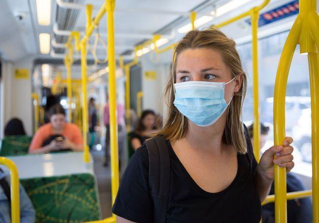 Coronavirus : 239 scientifiques supplient l'OMS de reconnaître que le virus est transmissible par l'air