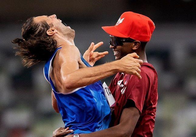 Plutôt que de se départager, deux athlètes olympiques choisissent de partager la médaille d'or