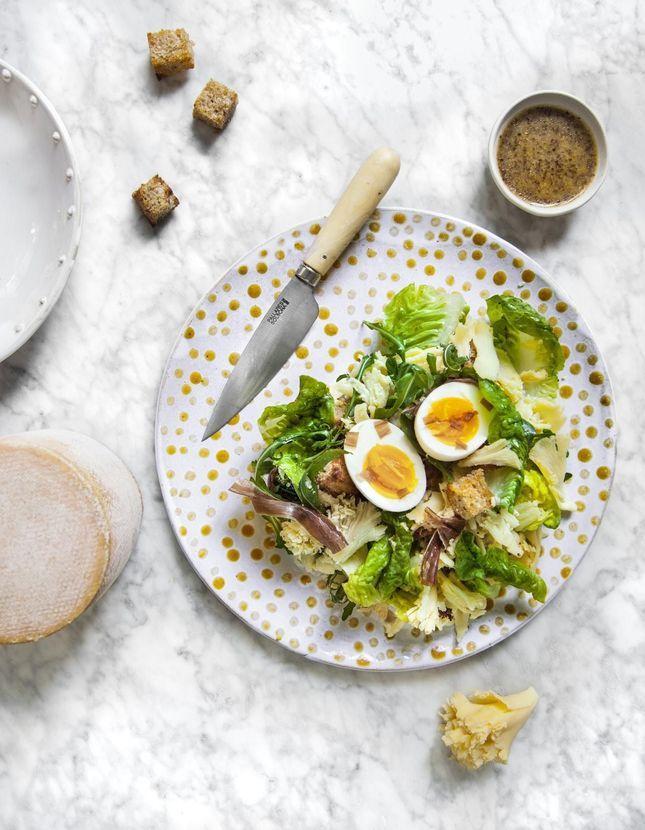 Salade de tête de moine, œufs mollets et cecina