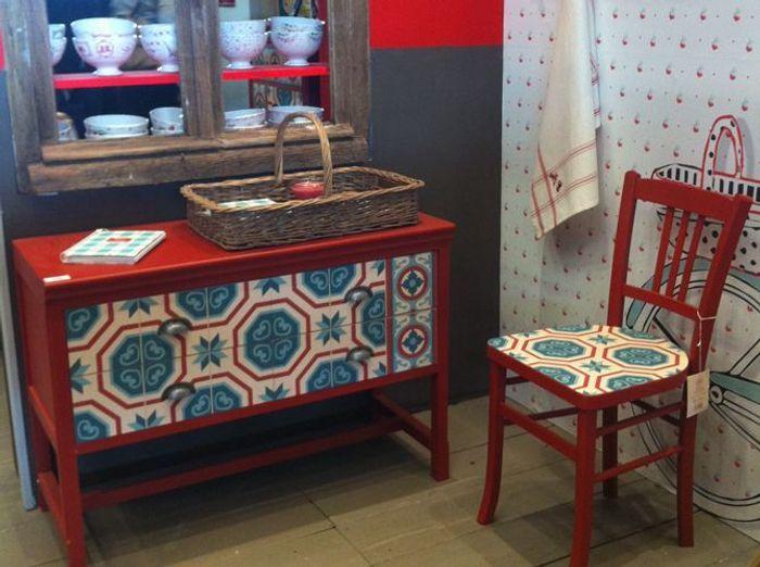 suspension comptoir de famille best le mobilier rtro rouge de comptoir de famille with. Black Bedroom Furniture Sets. Home Design Ideas