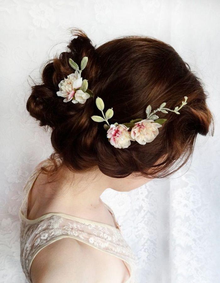 coiffure cheveux attach s boucl s automne hiver 2016 cheveux attach s 60 id es de coiffures. Black Bedroom Furniture Sets. Home Design Ideas