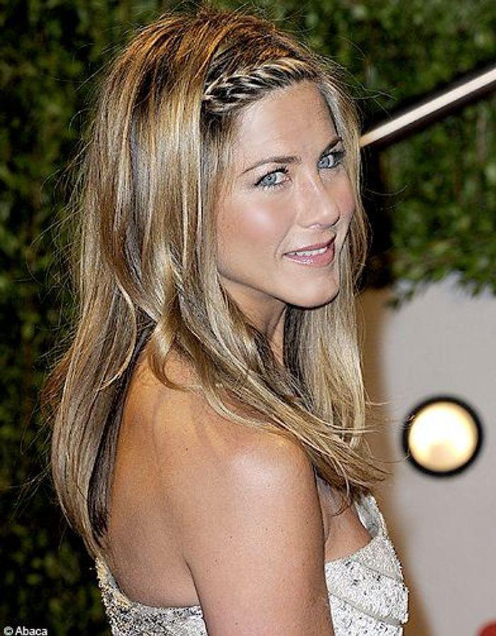 Jennifer aniston cheveux les stars virent blonettes elle - Coiffure jennifer aniston ...