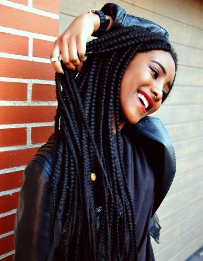 coiffure cheveux afro nattes 2015 coiffures afro les filles styl es donnent le ton elle. Black Bedroom Furniture Sets. Home Design Ideas
