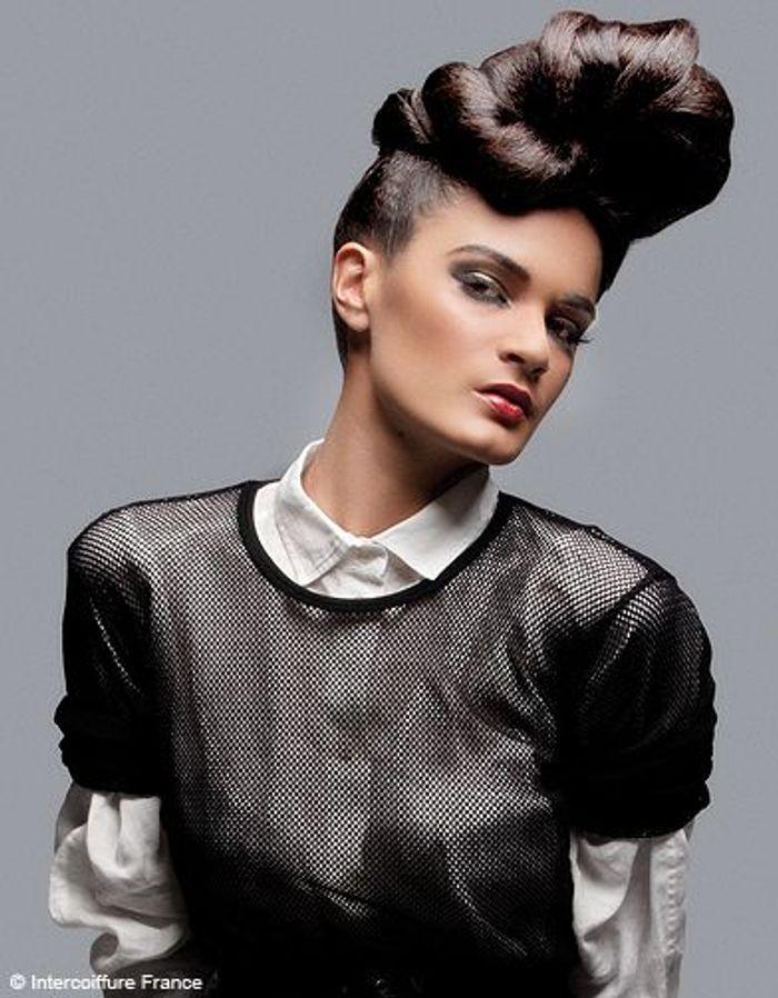beaute tendance cheveux coiffure intercoiffure france 3185 100 coiffures automne hiver 2011. Black Bedroom Furniture Sets. Home Design Ideas