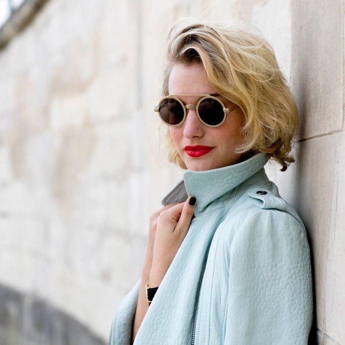 carr court blonde automne hiver 2016 carr court les mod les qui valent le d tour elle. Black Bedroom Furniture Sets. Home Design Ideas