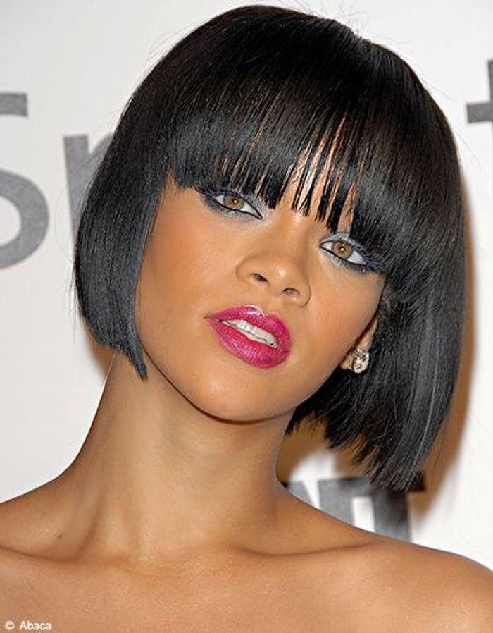 coupe courte de cheveux rihanna photo rihanna cheveux. Black Bedroom Furniture Sets. Home Design Ideas