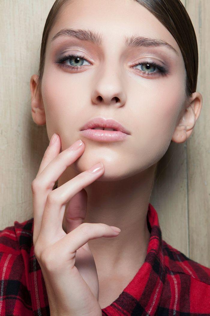 maquillage yeux verts amande comment maquiller des yeux verts elle. Black Bedroom Furniture Sets. Home Design Ideas