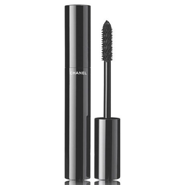 mascara le volume chanel les meilleurs mascaras au banc d 39 essai elle. Black Bedroom Furniture Sets. Home Design Ideas