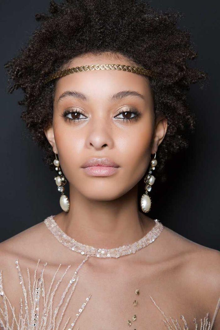 Maquillage Saint-Valentin : les yeux irrisés