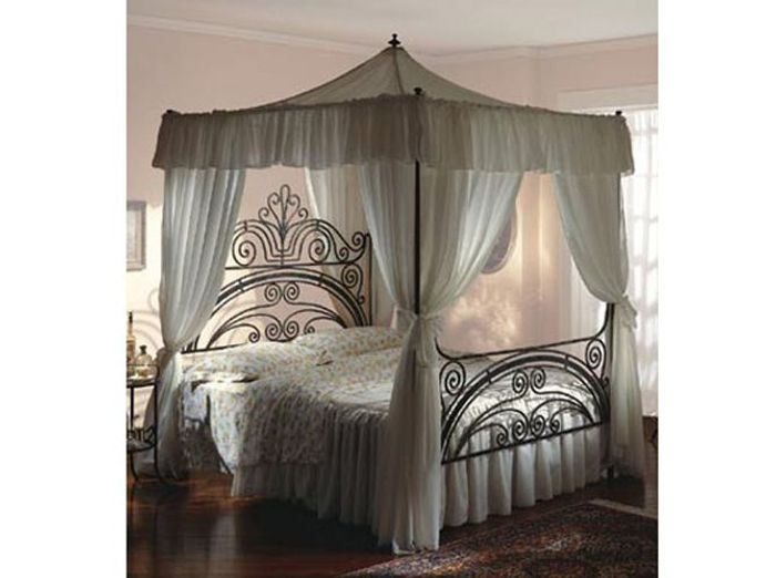 ciel de lit ou lit baldaquin elle d coration. Black Bedroom Furniture Sets. Home Design Ideas