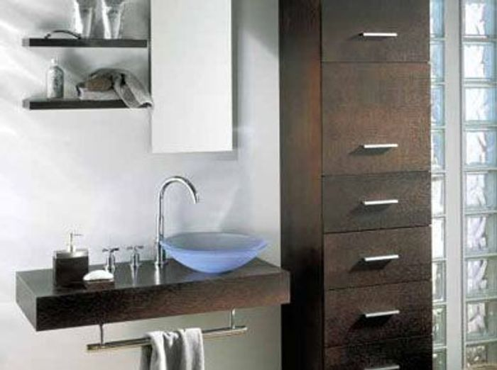 Salles de bains belles au naturel elle d coration for Meuble salle de bain smith