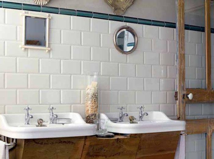 Salles de bains belles au naturel elle d coration for Tapisserie de salle de bain