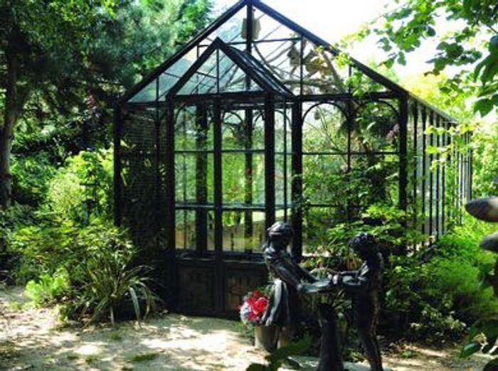 serres l 39 ancienne de la po sie au jardin elle d coration. Black Bedroom Furniture Sets. Home Design Ideas