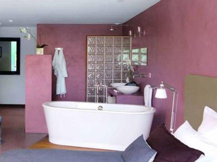 Une chambre avec salle de bains un r ve de bien tre - Creer une salle de bain dans une chambre ...