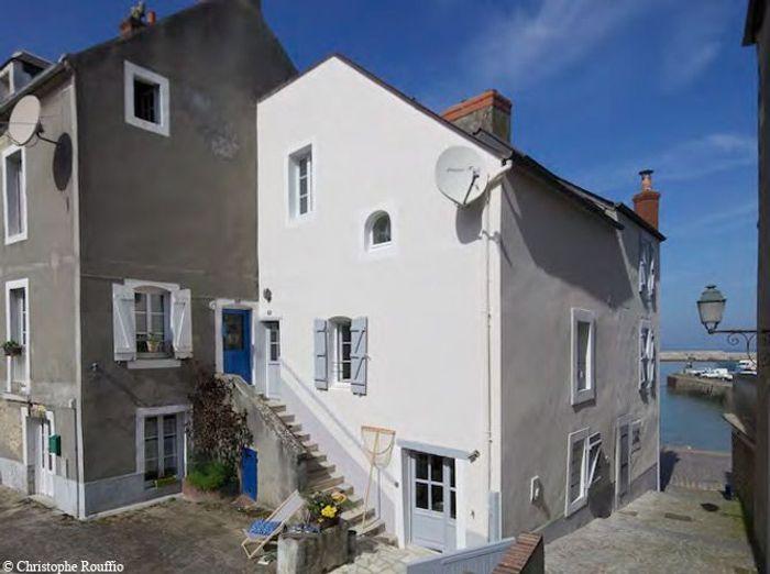 Une maison typique au bord de la mer on en r ve elle d coration - Maison au bord de la mer ...