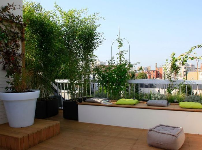 Une terrasse en ville elle d coration for Amenagement jardin 15m2