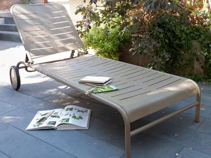 Transats chaises longues et bains de soleil pour l t - Bain de soleil castorama ...