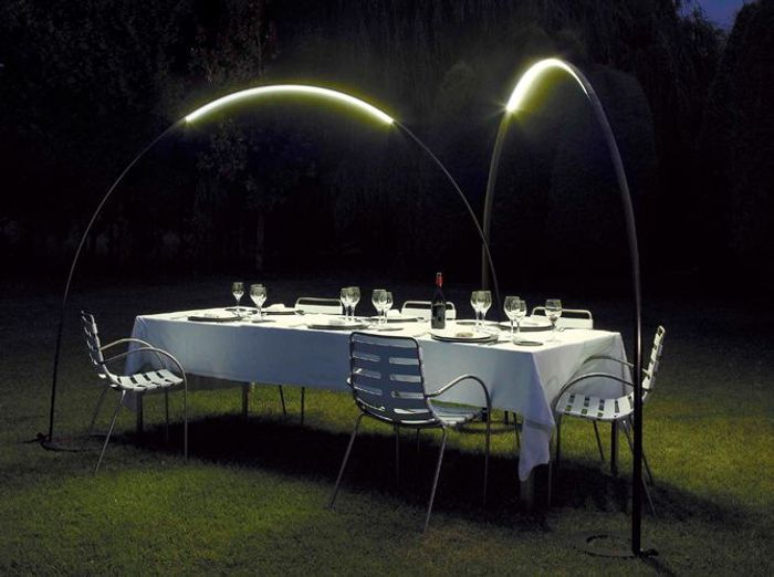 Eclairage table de jardin elle d coration for Lumiere exterieur design