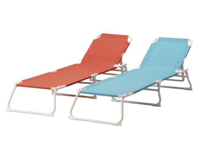 Cet t les meubles color s s invitent au jardin elle for Chaise pliante castorama