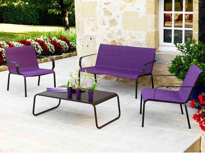 Un mobilier de jardin color elle d coration for Decoration jardin colore