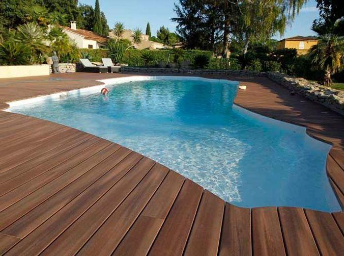 Une piscine pour tous les styles elle d coration for Conseil pour construire une piscine