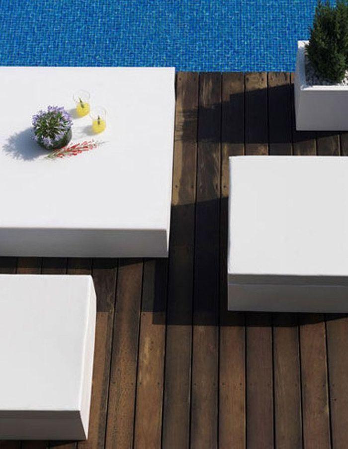 shopping 30 nouvelles id es autour de la piscine elle. Black Bedroom Furniture Sets. Home Design Ideas