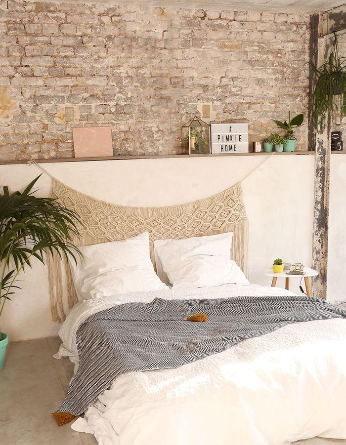 Tête de lit en macramé