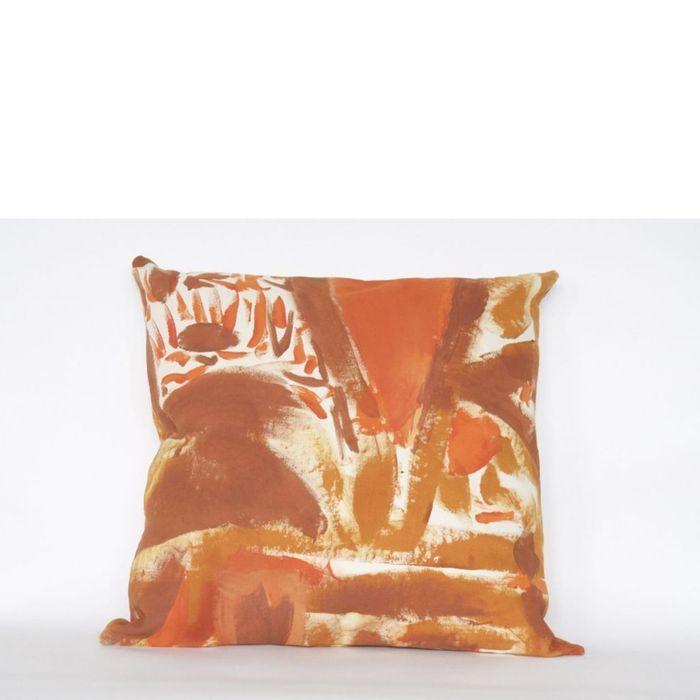 Coussin Bicolore Peint Rouille par Naomi Clark pour The Fort Makers