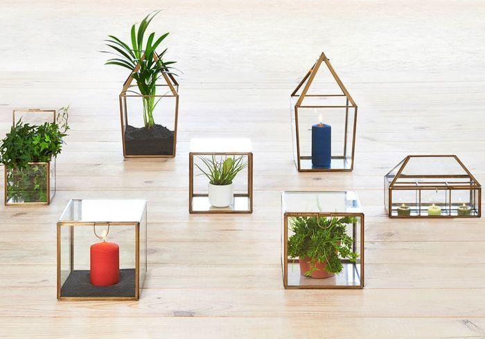 Boîte vitrine en verre et cuivre Habitat