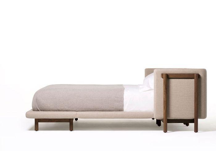 "Catégorie Literie : lit ""Frame Bed With Arms"" de De La Espada par Neri & Hu"