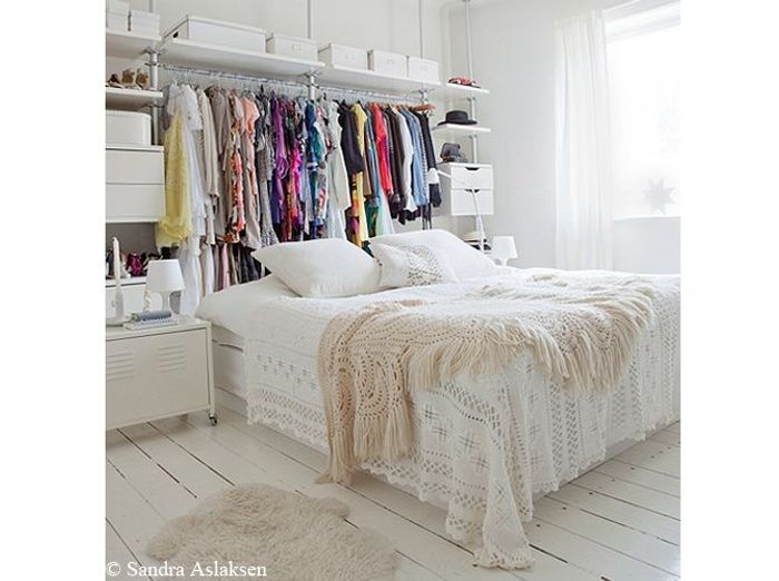 grande tendance d co le blanc du sol au plafond elle d coration. Black Bedroom Furniture Sets. Home Design Ideas