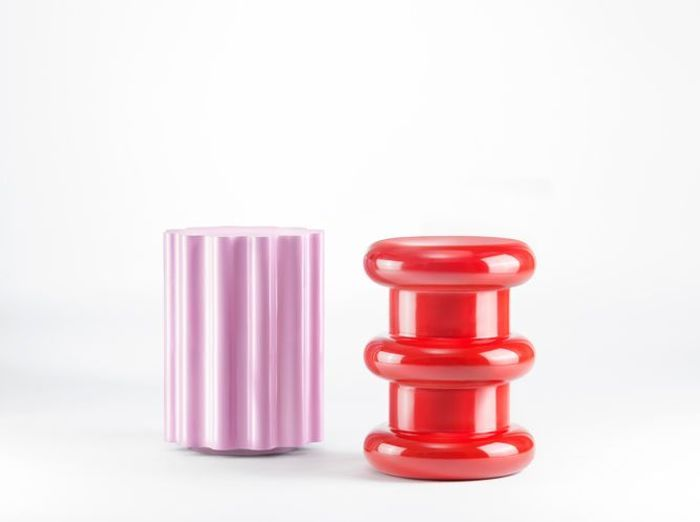 Beautiful les tabourets rdits duettore sottsass pour for Table exterieur la foir fouille