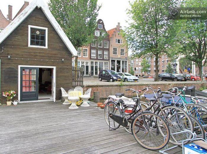 AirbnbBoatHouseamsterdam