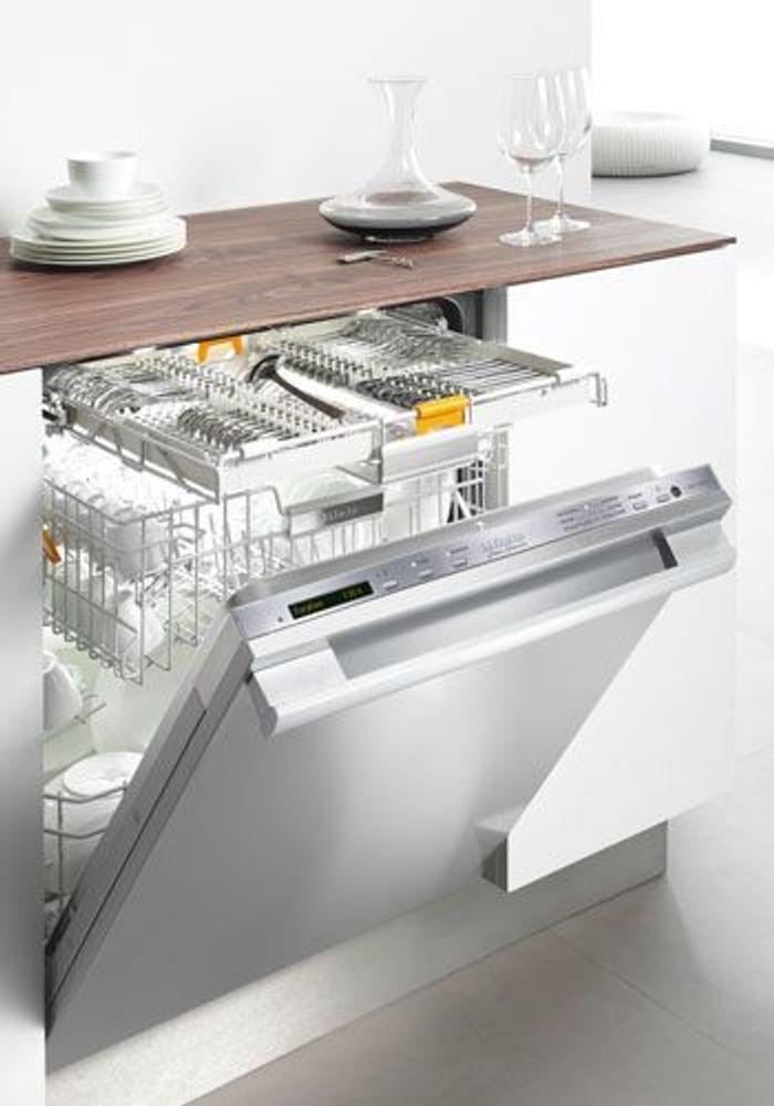 le lave vaisselle 10 objets qui facilitent vraiment la. Black Bedroom Furniture Sets. Home Design Ideas