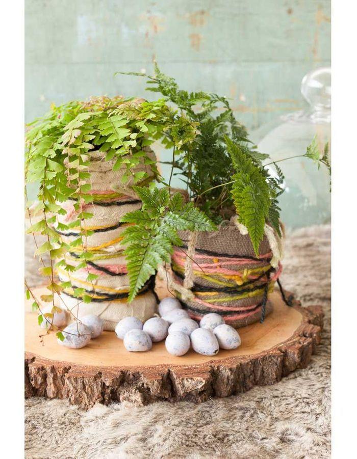 la foug re dans un cache pot fait main belles plantes. Black Bedroom Furniture Sets. Home Design Ideas