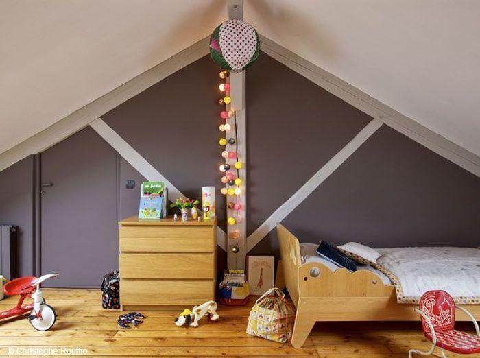 Decoration Chambre Ado Mansardee : 40 idées déco pour une chambre d'enfant  Elle Décoration