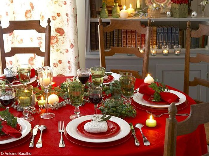 50 tables de f te elle d coration - Decoration table de noel rouge et blanc ...