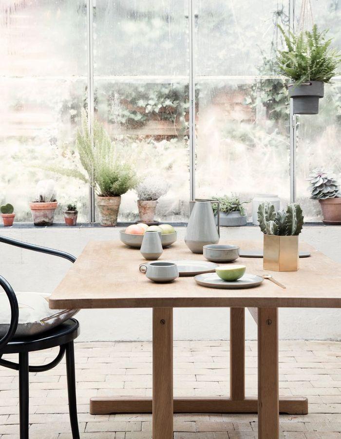 Une déco de table d'été scandinave