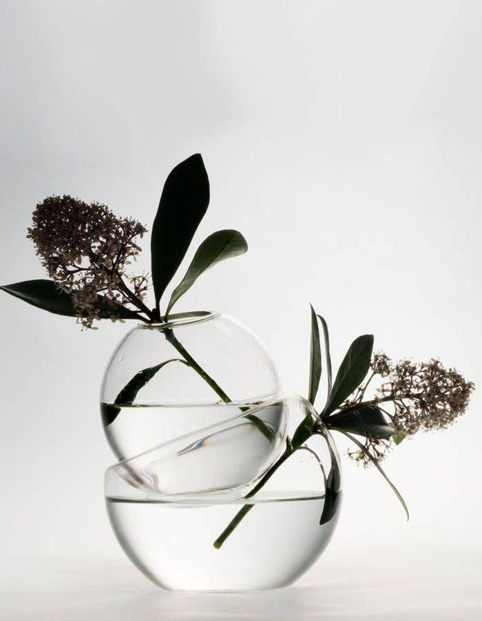 Un vase particulier pour une déco de table de Saint-Valentin romantique