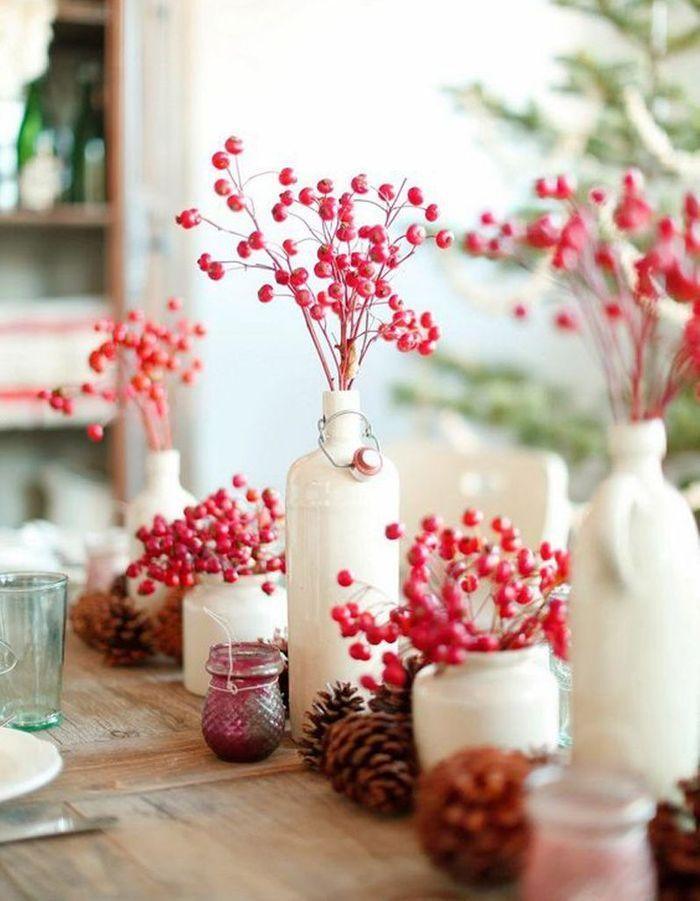 Décoration de table hiver : remplacez les traditionnels végétaux de l'hiver par des baies rouges