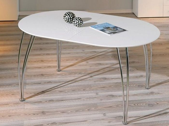 Table rallonges du mobilier aussi pratique que for Table ovale moderne