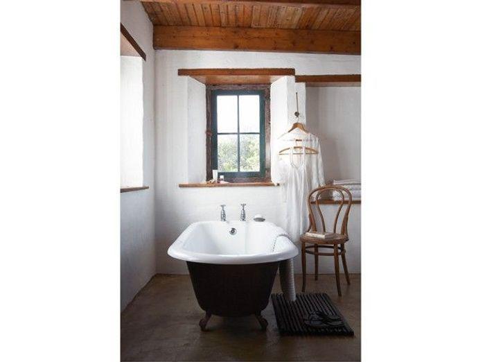 Des salles de bains de charme elle d coration for Elle maison salle de bain