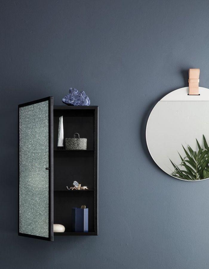 Miroir de salle de bains minimaliste
