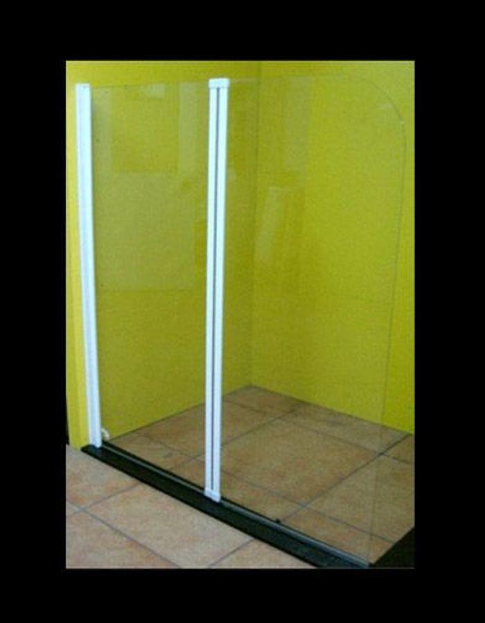 shopping solutions fut es pour petites salles de bains elle d coration. Black Bedroom Furniture Sets. Home Design Ideas