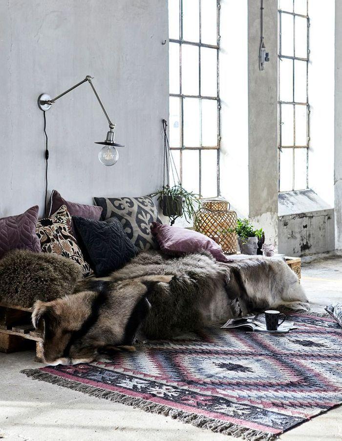 Instaurer une ambiance cocooning dans un petit salon