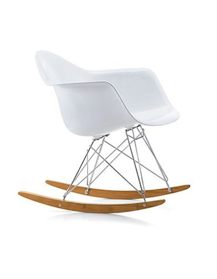 20 rocking chair qui font basculer la d co elle d coration for Fauteuil eames vitra prix